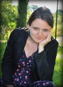Karolina Topór - Contact